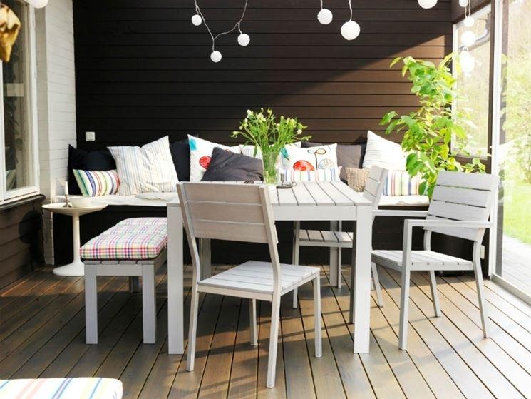 L 39 illuminazione come elemento di stile per il giardino arredami casa - Ikea esterni 2017 ...