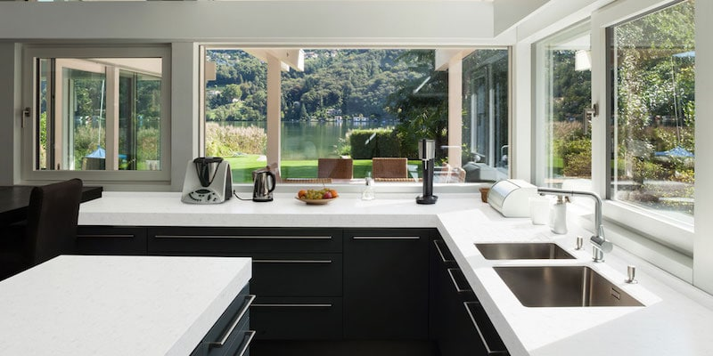 You are currently viewing 10 trucchi per tenere pulita la cucina [+ prodotti consigliati]