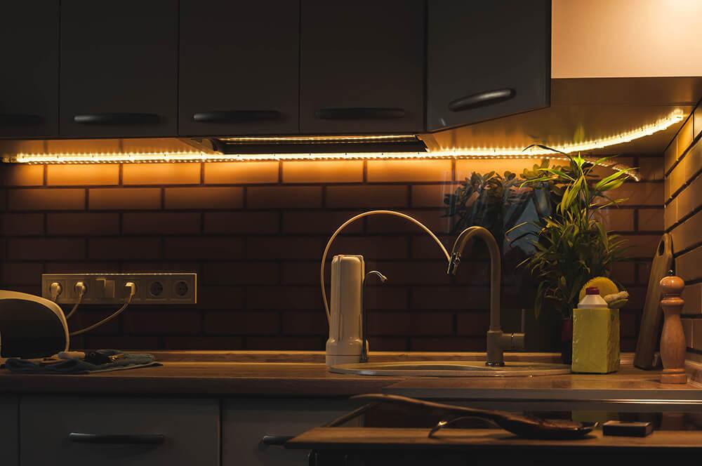 You are currently viewing Luci e strisce di led per illuminazione funzionale della casa