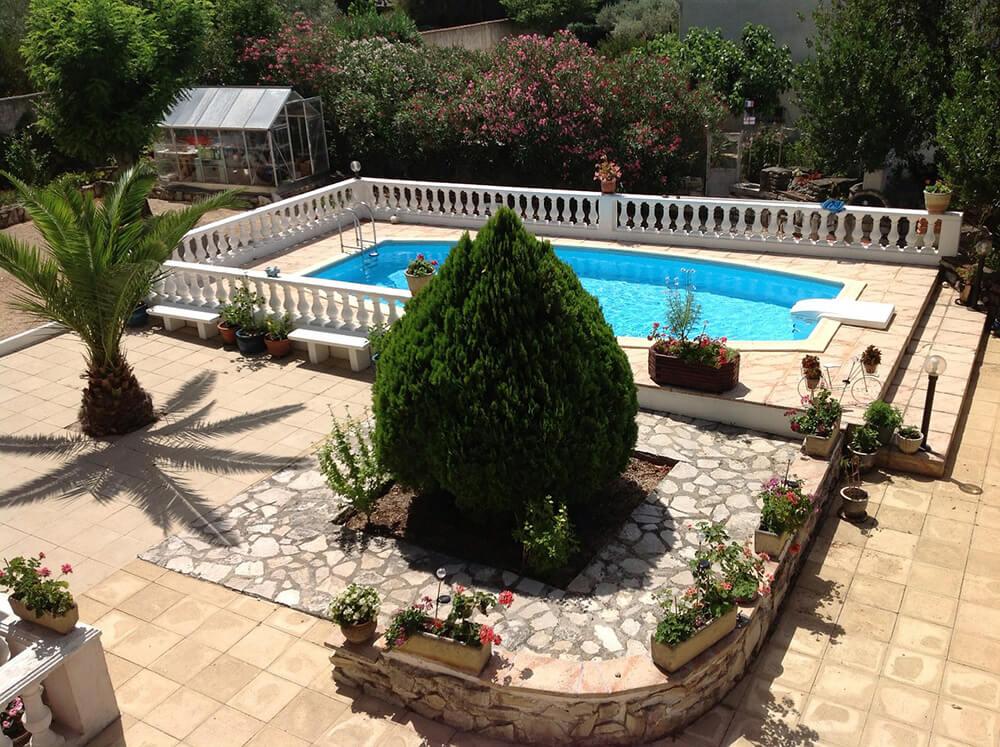 Read more about the article L'arredamento per il bordo piscina: ecco come sceglierlo