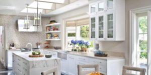 Read more about the article Prodotti e trucchi per pulire i mobili della cucina