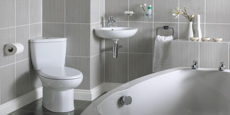 Ristrutturare un bagno piccolo quanto costa e quali for Quanto costa arredare un bagno